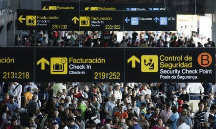 Blackout at Panama Airport Strands Thousands